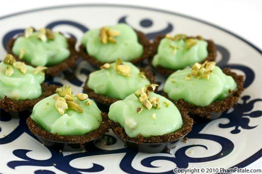 Chocolate Pistachio Cream Pie (Easy Dessert Recipe)