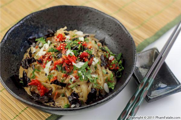 shirataki yam noodles noodle salad recipe giveaway pham fatale. Black Bedroom Furniture Sets. Home Design Ideas